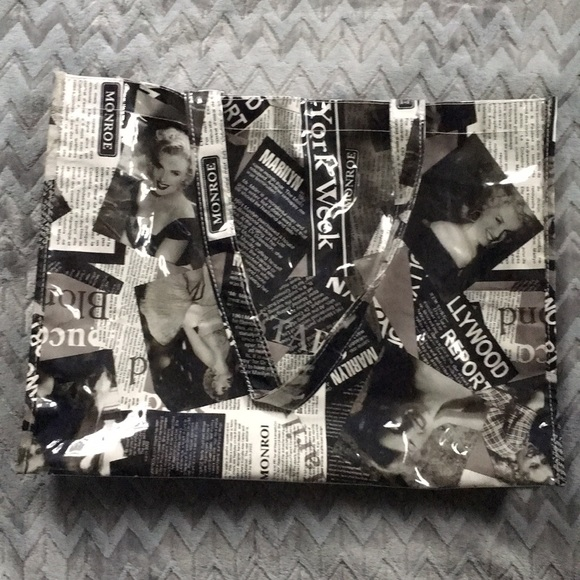 766276c4ce9f Marilyn Monroe Shopping Tote Bag! M 5b1da0efde6f62726a90c74d
